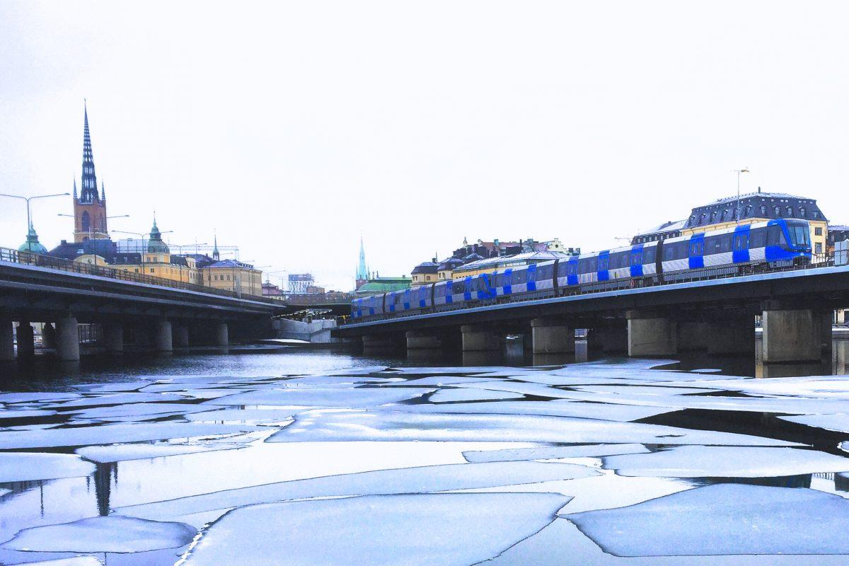 El tunnelbana o metro de Estocolmo de camino a Gamla Stan <br> Foto: Israel Ubeda / sweetsweden.com