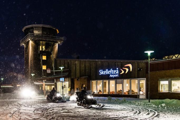 Aeropuerto Skelleftea transfer en moto de nieve - Foto: Ted Logardt / visitskellefteå.se