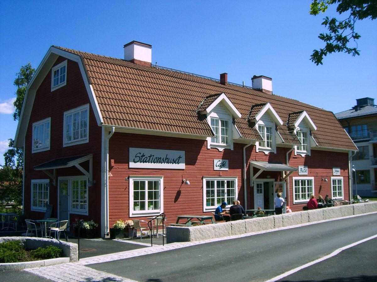 La casa de la estación de Saltsjöbaden al sur de Estocolmo <br> Foto: Israel Úbeda / sweetsweden.com