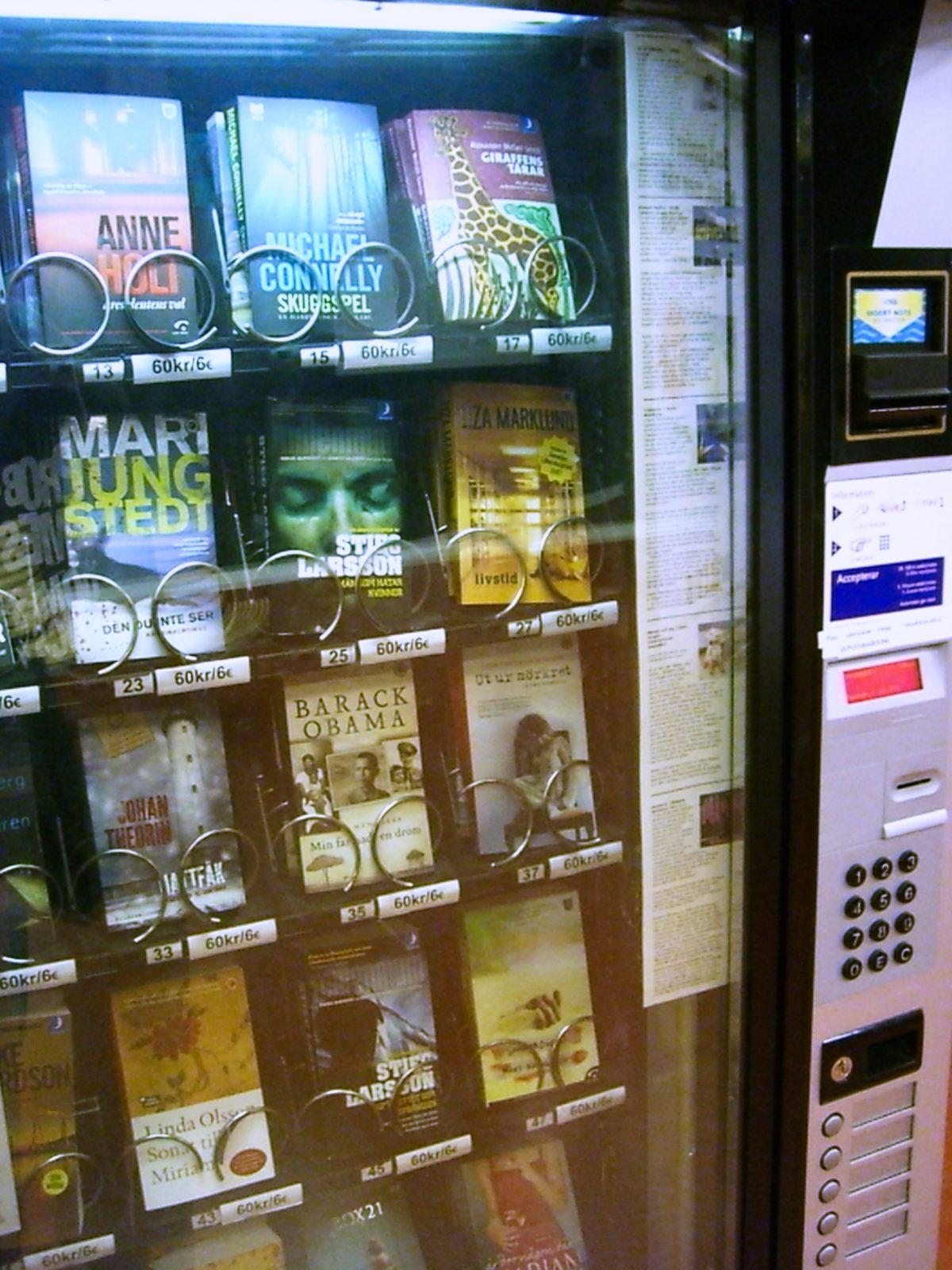 Máquina expendedora de libros en Suecia Foto: Israel Úbeda / sweetsweden.com
