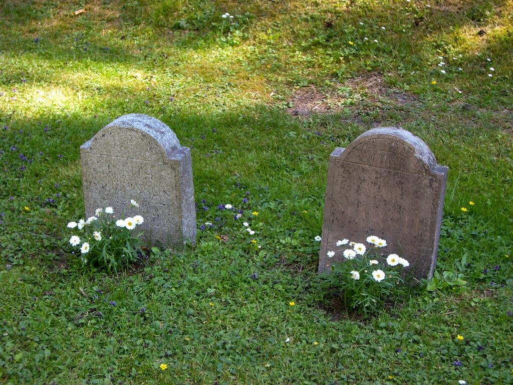 Tumbas en Skogskyrkogård <br> Foto: Israel Úbeda / sweetsweden.com