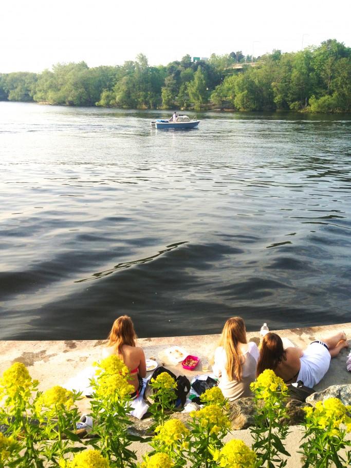 Chicas suecas bañandose en Estocolmo<br>Foto: Israel Úbeda/sweetsweden.com