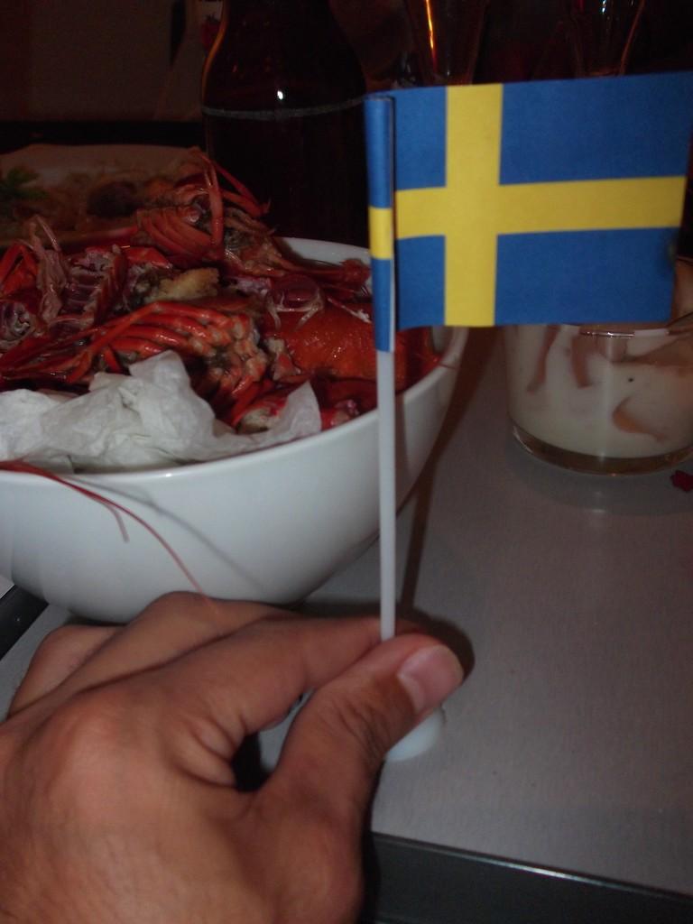 Los restos de los cangrejos al finalizar la kräftskiva <br> Foto: Israel Úbeda/sweetsweden.com