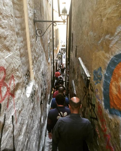 El callejon Morten Trotzigs grand en Estocolmo - Foto: Israel Úbeda / sweetsweden.com
