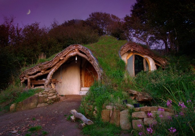 La casa de hobbit de Simon Dale en Gales modelo para la aldea hobbit en Estocolmo, Suecia