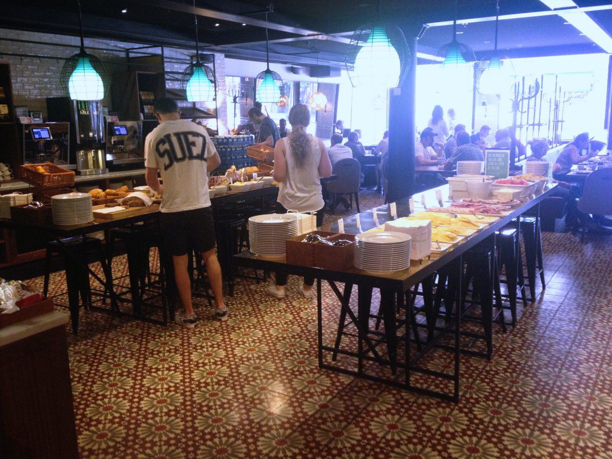 Mesa sueca - smörgåsbord - en el Scandic Grand Central <br> Foto: Israel Úbeda / sweetsweden.com