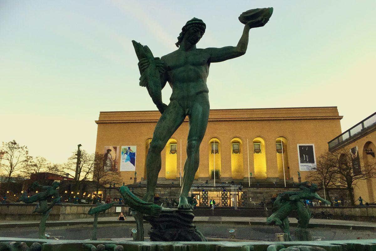 Estatua de Poseidon en Gotemburgo frente al Museo de Arte <br> Foto: Israel Úbeda / sweetsweden.com