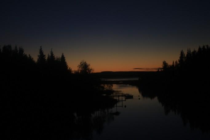 Amaneciendo en la Laponia sueca de camino a Gammelstad <br> Foto: Israel Ubeda / sweetsweden.com