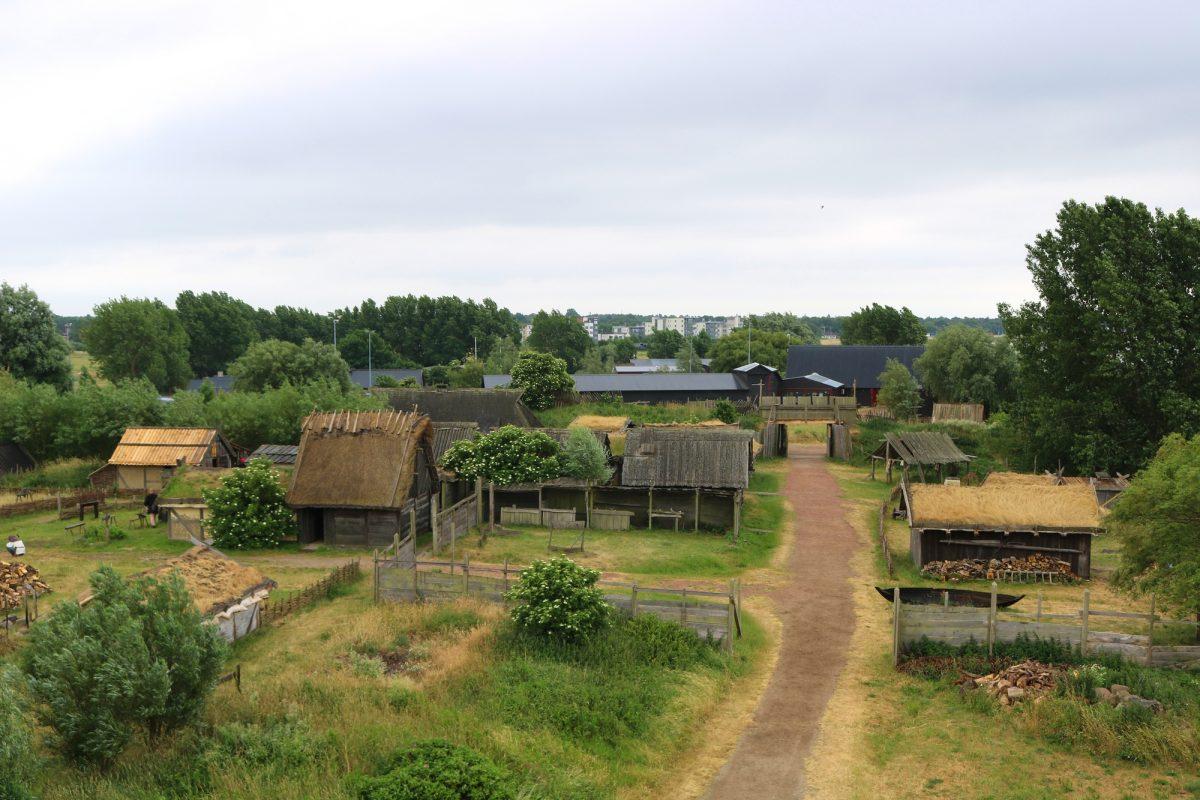 El poblado del museo vikingo de Foteviken <br> Foto: Israel Úbeda / sweetsweden.com