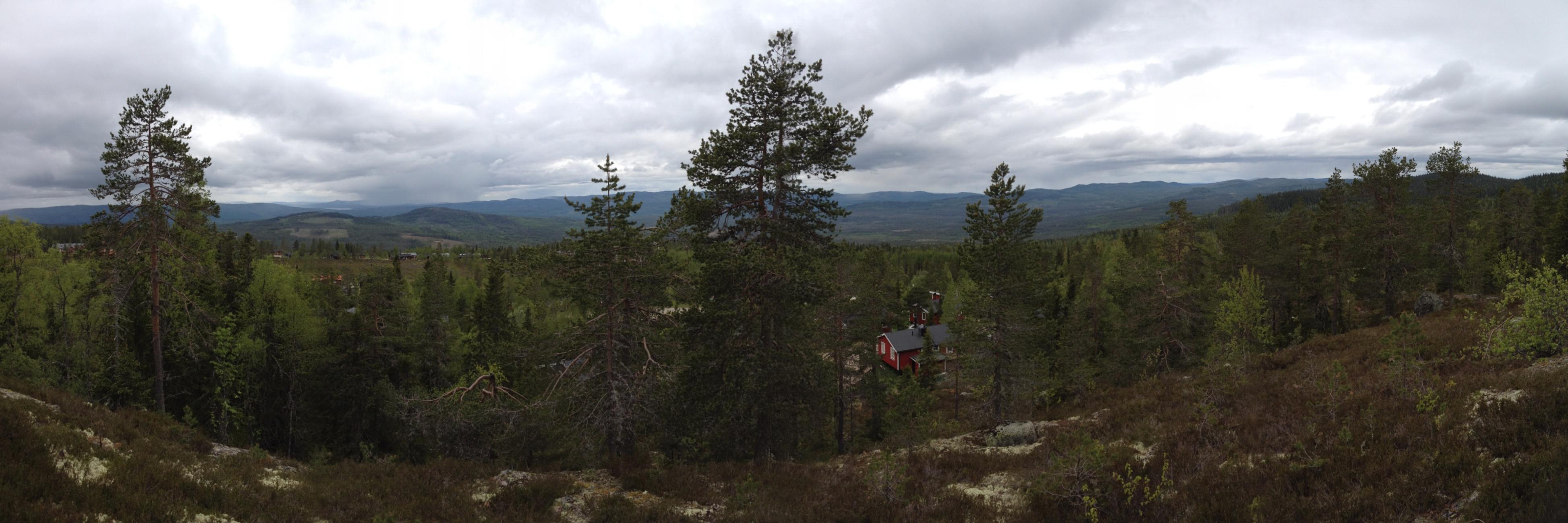 Panorámica de la región montañosa de Värmland desde Långberget <br> Foto: Israel Úbeda (click para ampliar)