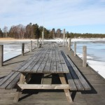 La mesa lista para acoger comensales en el lago Vänern, foto: Israel Úbeda/sweetsweden.com