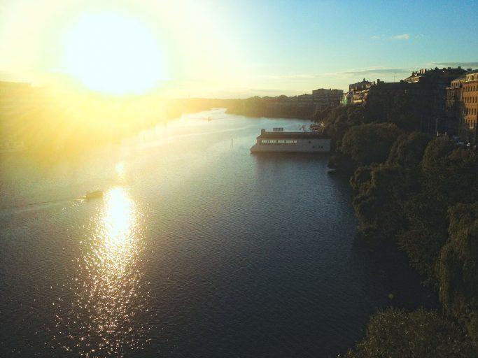 Vista de la puesta de sol sobre la bahía de Årsta - Foto. Israel Úbeda/sweetsweden.com