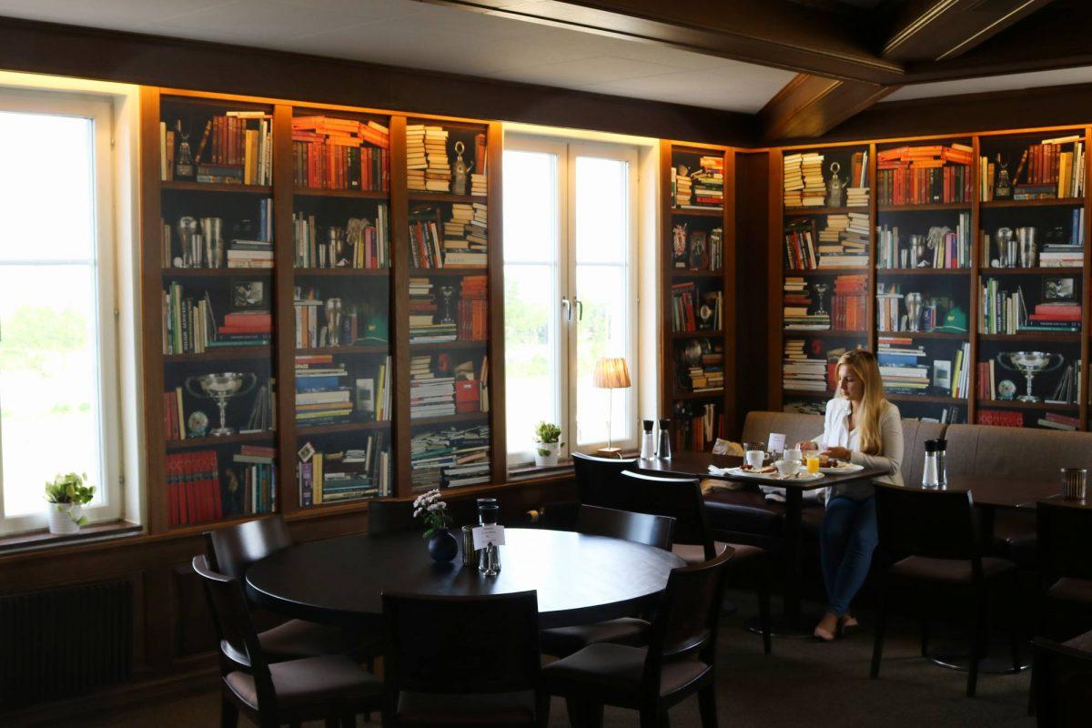 Desayunando en el hotel Ekerum Resort en Öland <br> Foto: Israel Úbeda / sweetsweden.com