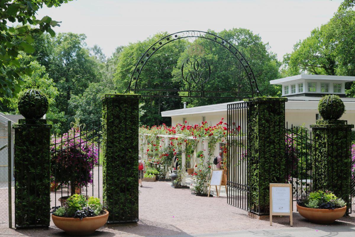 Entrada a los jardines de Solliden en Öland <br> Foto: Israel Úbeda / sweetsweden.com
