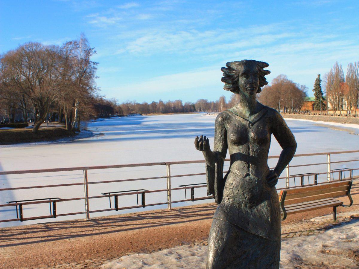 Sola i Karlstad, uno de los símbolos de la soleada ciudad <br> Foto: Israel Úbeda / sweetsweden.com