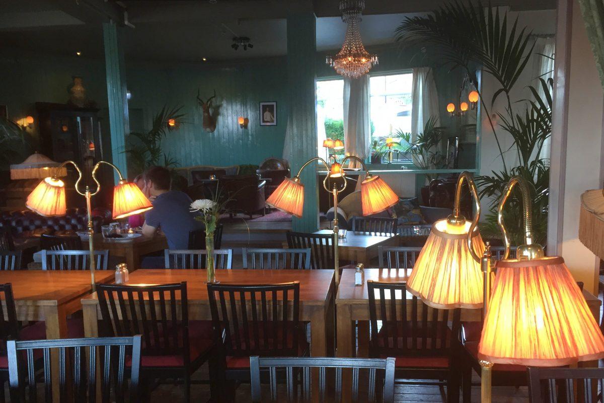 Sala de desayunos del Stora Hotellet Bryggan en Fjällbacka <br> Foto: Israel Ubeda / sweetsweden.com