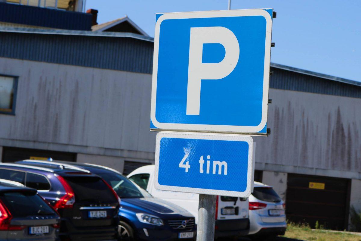 Se puede aparcar gratis un máximo de 4 horas