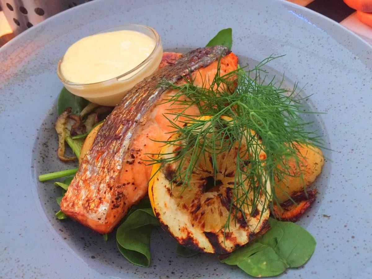 Salmon horneado con miel en Malmö <br> Foto: Israel Úbeda / sweetsweden.com