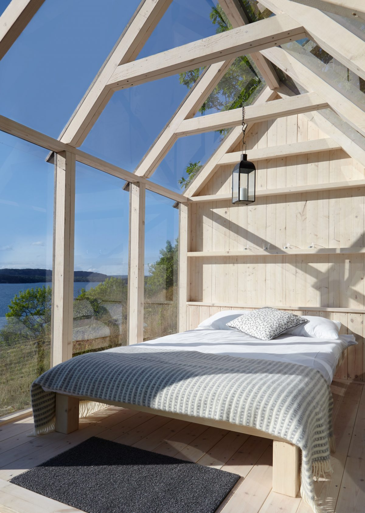 Interior de la cabaña de Henriksholm en el lago Ånimmen en Suecia <br> Foto: Maja Flink