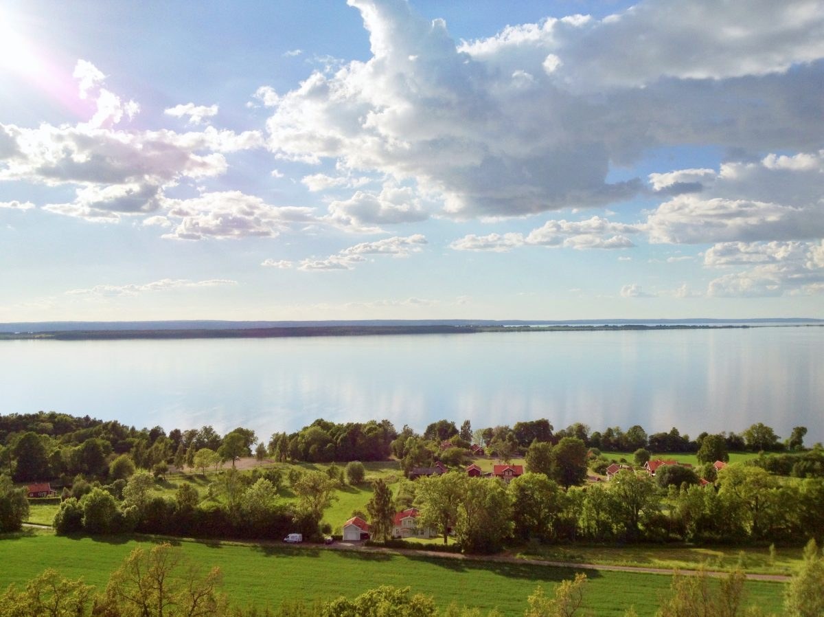 View of Lake Vättern in Sweden <br /> Photo: Israel Úbeda / sweetsweden.com