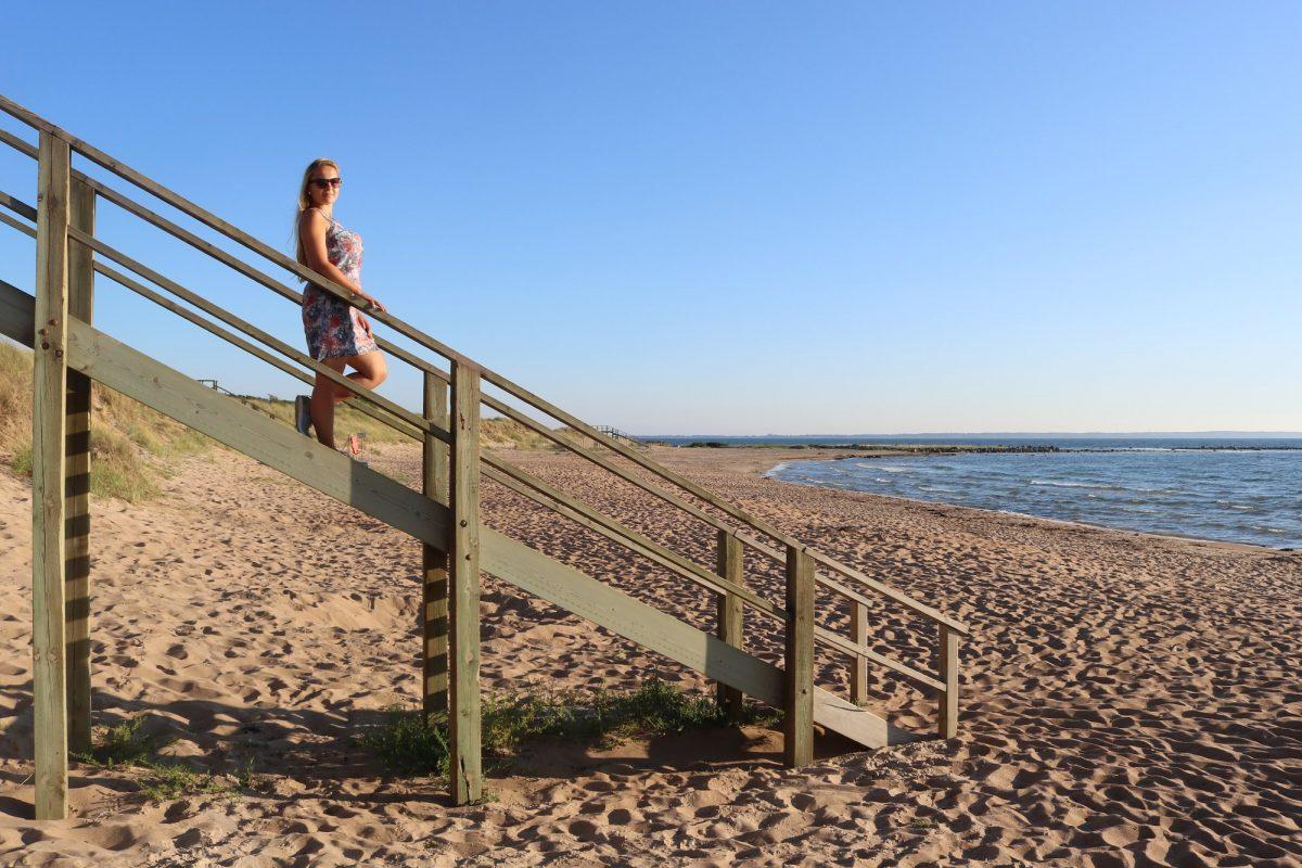 De paseo por la playa en Vejbystrand, Escania <br> Foto: Israel Úbeda / sweetsweden.com