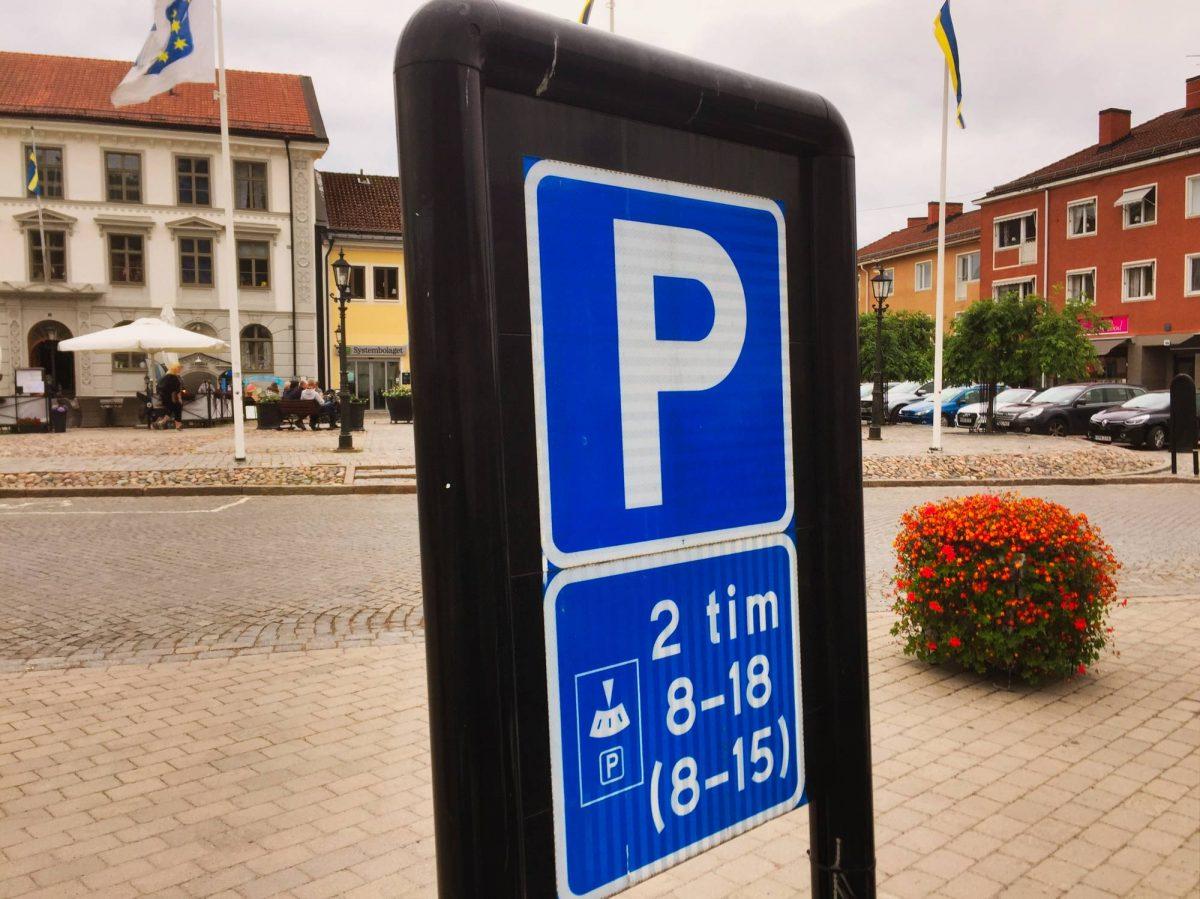Señal de aparcamiento en Suecia