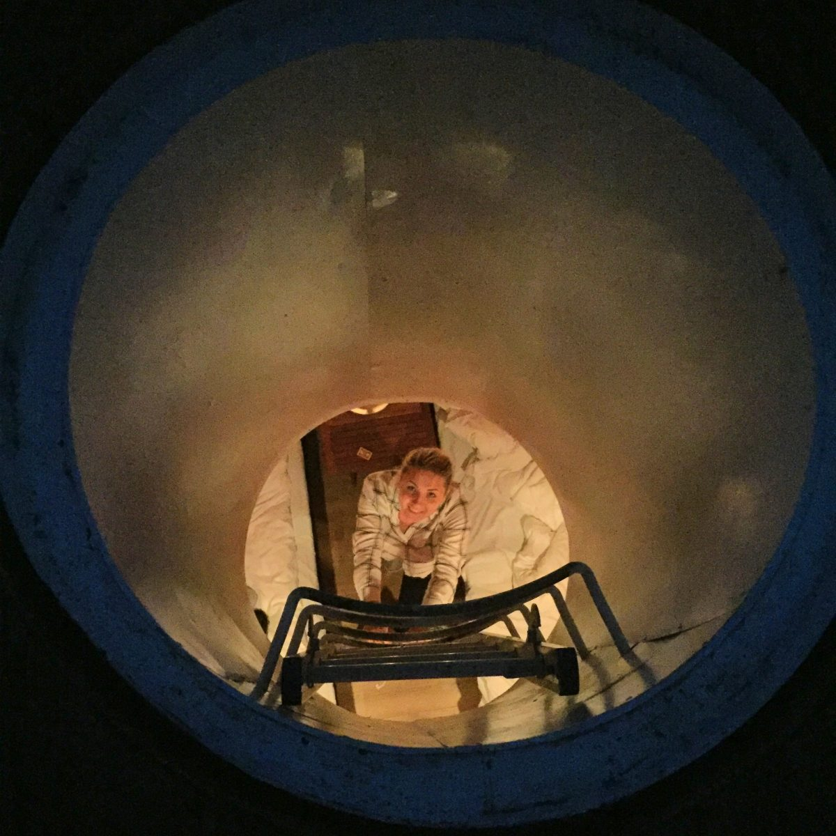 Bajando a la habitación submarina en el hotel Utter Inn <br> Foto: Israel Úbeda / sweetsweden.com