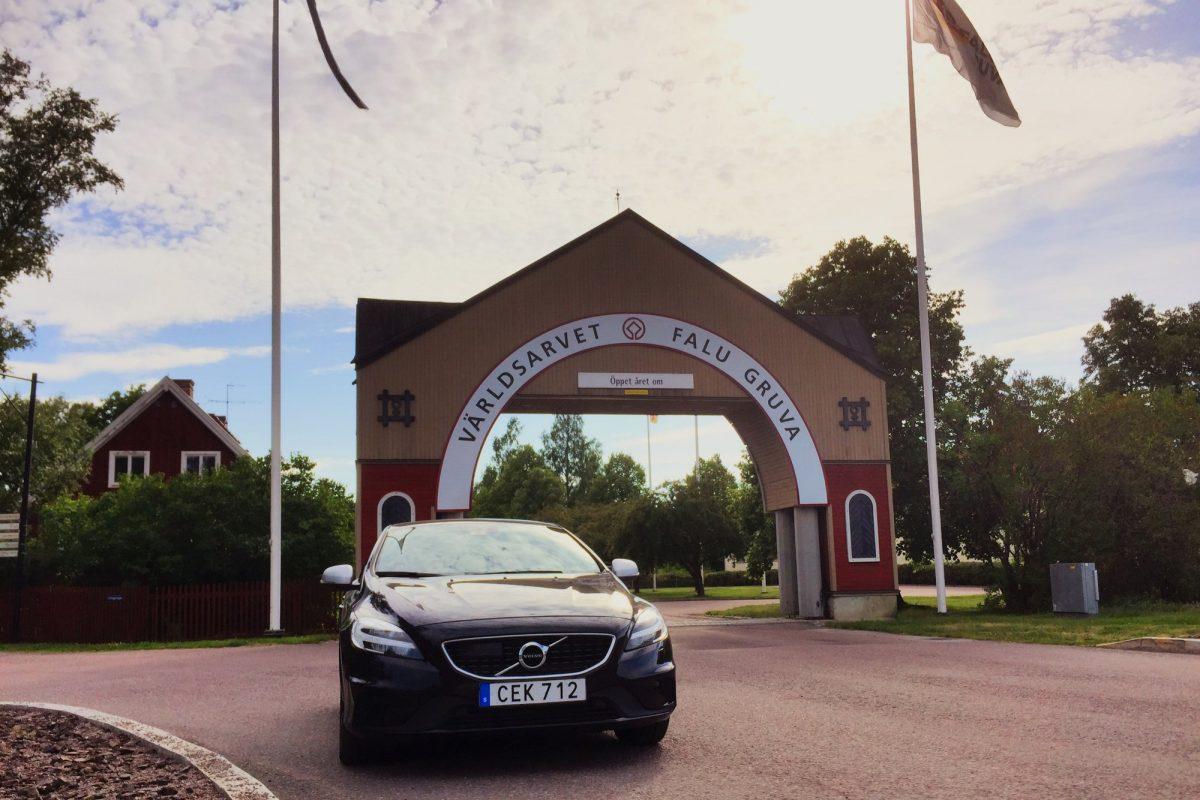 Con nuestro Volvo alquilado con Hertz en la Mina de Cobre de Falun <br> Foto: Israel Úbeda / sweetsweden.com