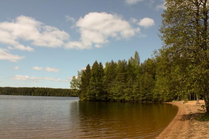 Junto a un lago en Brattfors, Värmland, Suecia; foto: Israel Úbeda