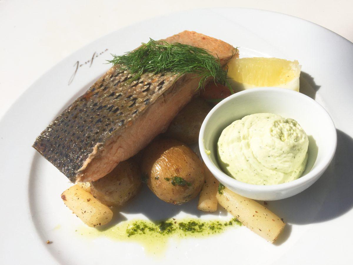 Comiendo en Josefina en Estocolmo <br> Foto: Israel Ubeda / sweetsweden.com