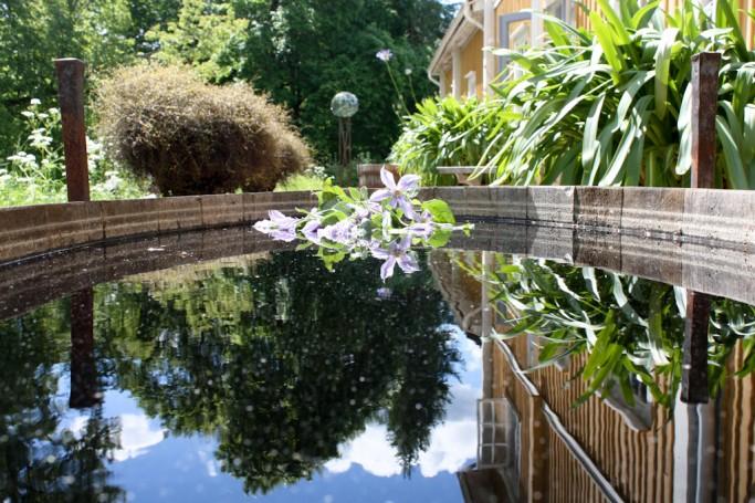 Detalle del reflejo en la tina en Gunillaberg, foto: Israel Úbeda