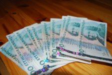 Billetes de 100 coronas suecas, foto Aftonkuriren