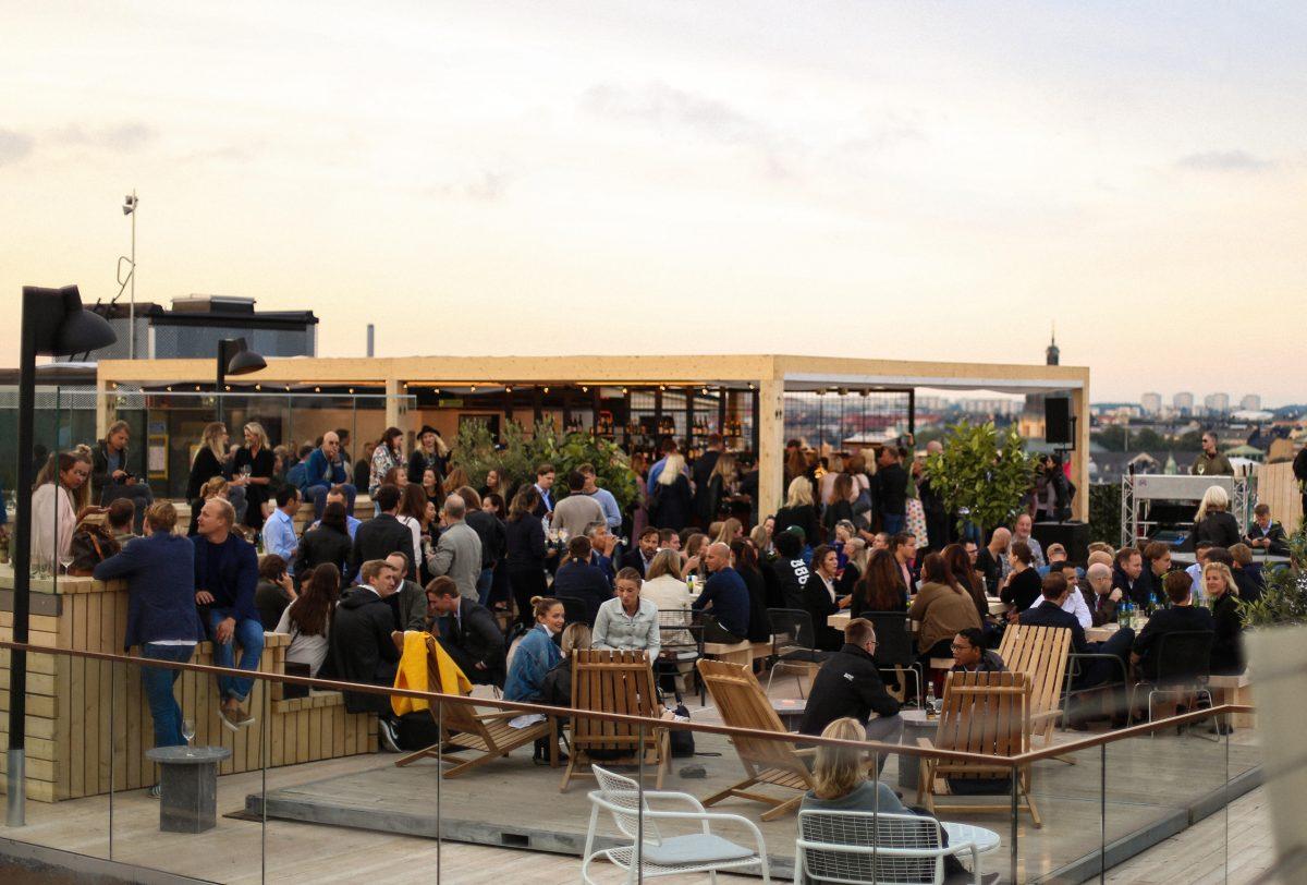 SUS rooftpbar at At Six <br /> Photo: Cimon Nicolas