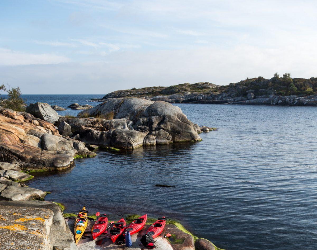 Kayaking in the Stockholm archipelago <br> Photo: Henrik Trygg / imagebank.sweden.se