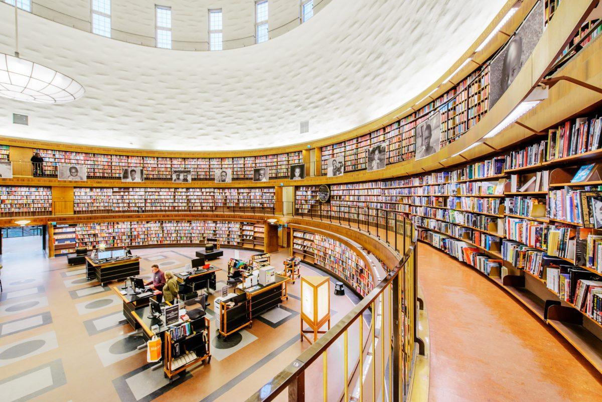 Biblioteca pública de Estocolmo <br> Foto: Simon Paulin / imagebank.sweden.se