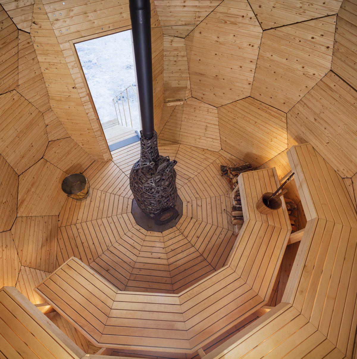 Interior de Solar Egg con el horno en forma de corazón <br>Foto: Jean-Baptiste Béranger