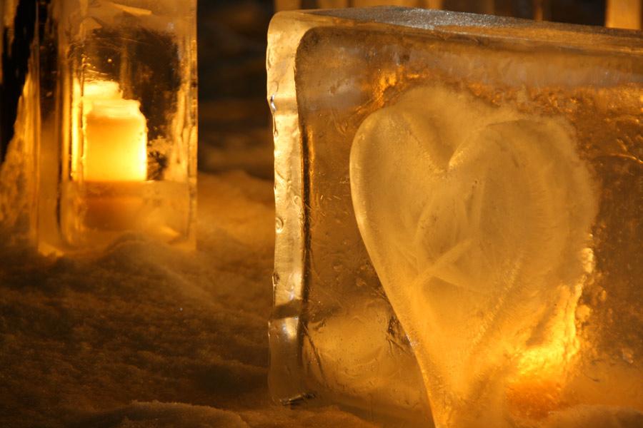 Linternas de hielo en el Festival de 1000 luces de Vuollerim <br> Foto: laplandvuollerim.se