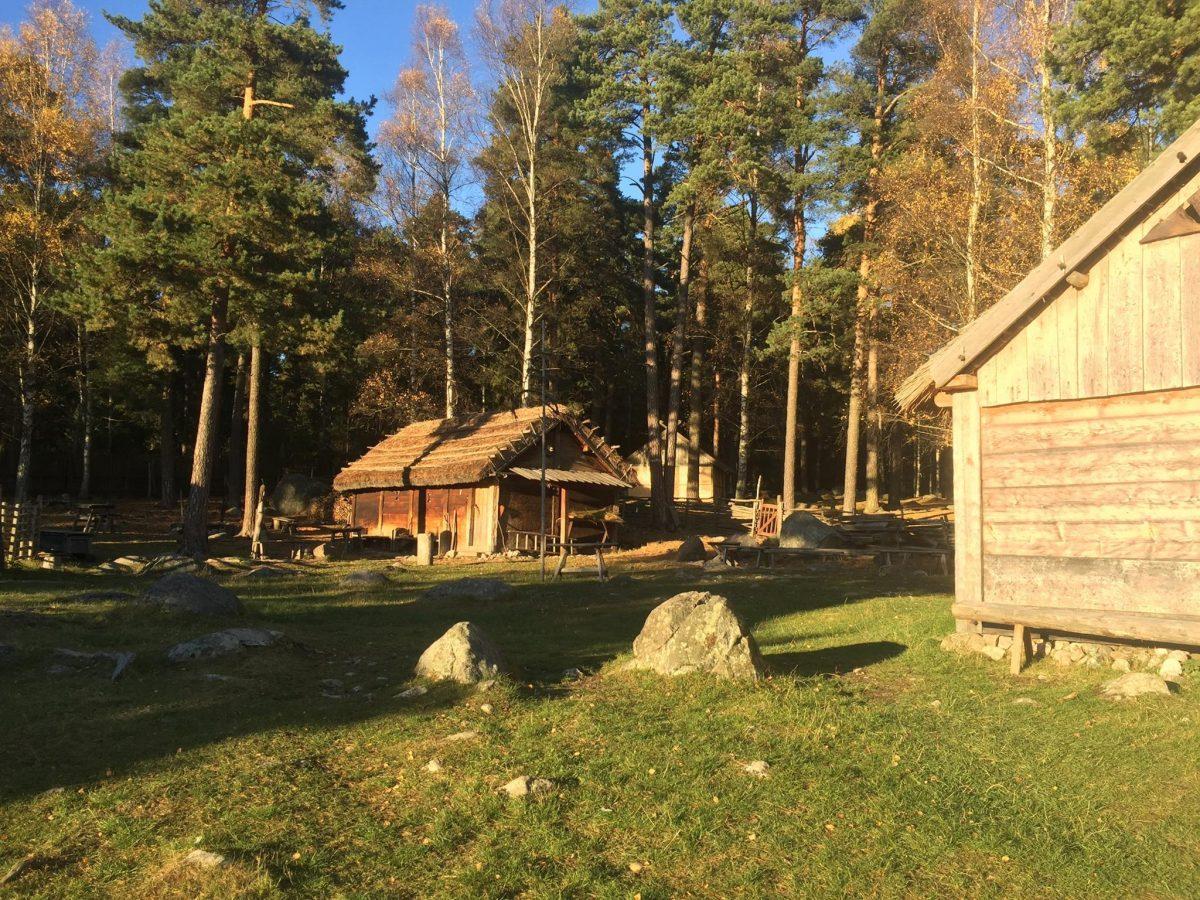 La granja vikinga Gunnes gård en Upplands väsby <br> Foto: Facebook de Gunnes gård