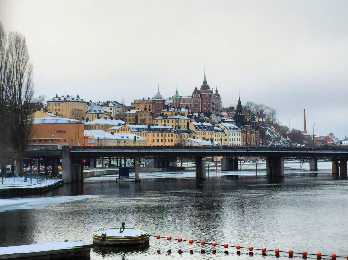 Vista de Södermalm nevado en Estocolmo en febrero <br> Foto: Israel Ubeda / sweetsweden.com
