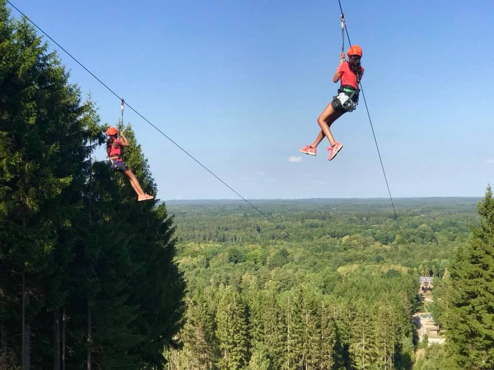 Zipline en el parque de aventuras Kungsbygget en Halland <br> Foto: Kungsbygget / facebook