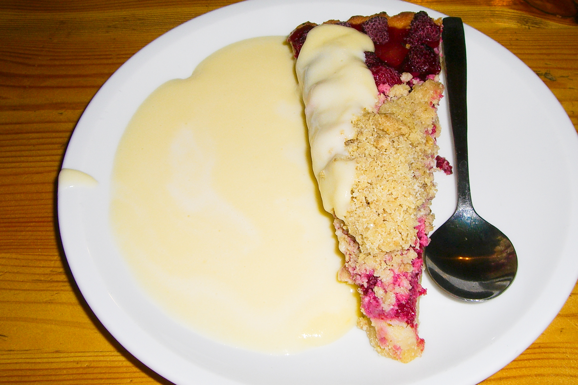 Hallonpaj, tarta de frambuesa sueca <br> Foto: Israel Úbeda / sweetsweden.com