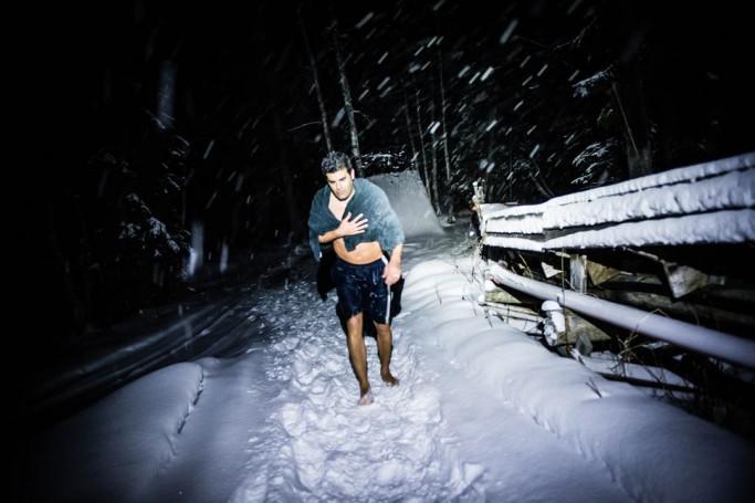 Caminando por la nieve en la Laponia sueca - Foto: Ted Logardt / visitskellefteå.se