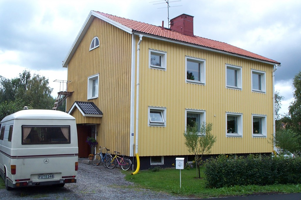 Casa de color amarillo en Boden, Suecia