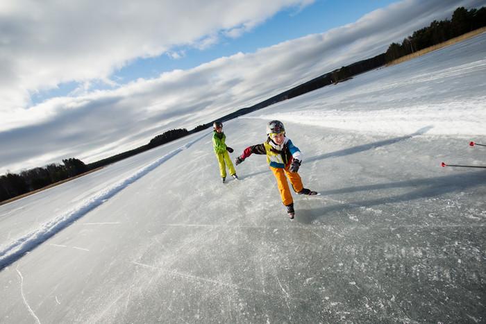 Patinaje sobre hielo en Dalarna <br> Foto: Per Eriksson