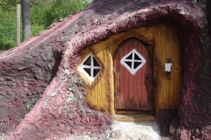 Entrada a hotel de los trolls en Suecia - Foto: Norrqvarn