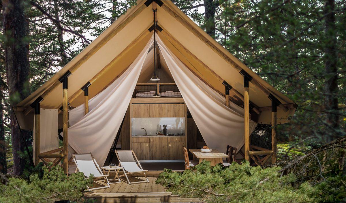 Glamping, camping de lujo en Anfasteröd Gårdsvik en la costa oeste de Suecia