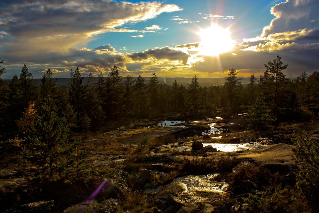 Puesta de sol desde la montaña Vitberget en Skellefteå <br> Foto: Israel Úbeda / sweetsweden.com