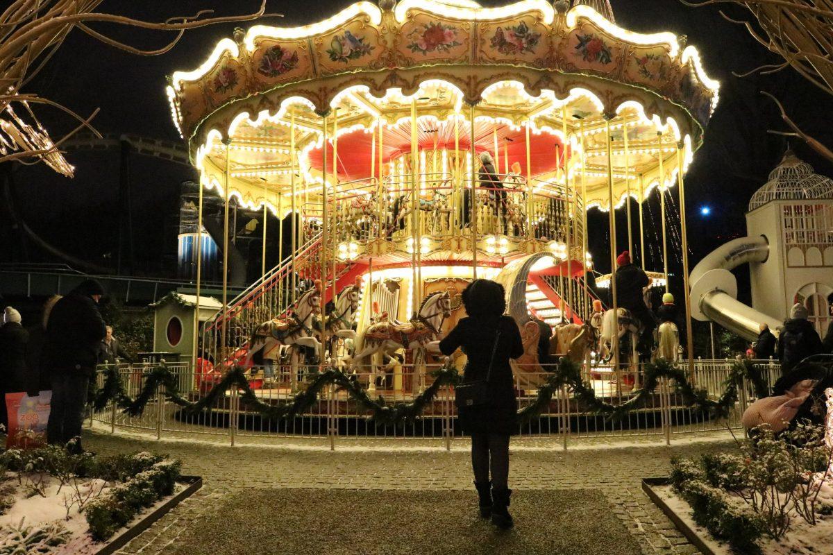 Carrusel en Navidad en Liseberg <br> Foto: Israel Úbeda / sweetsweden.com