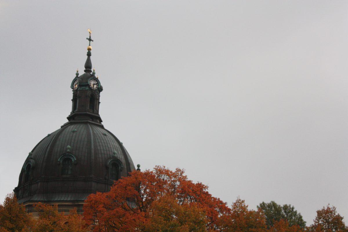 Iglesia Hedvig Eleonora kyrka en Östermalm en otoño <br> Foto: Israel Ubeda / sweetsweden.com