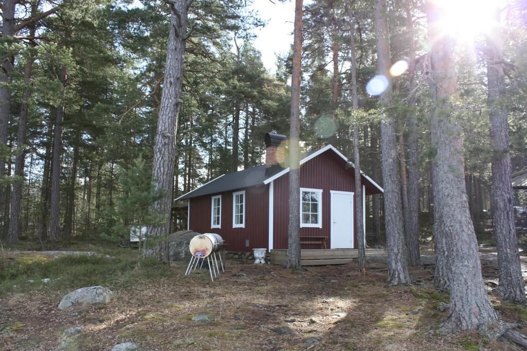 Cabaña de uso público en el lago Vänern<br> Foto: Israel Úbeda / sweetsweden.com
